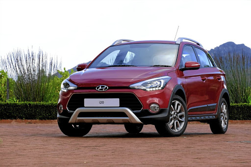 The i20 Active provides the pseudo off-roader looks but also lacks the design changes of the regular facelifted hatch. Picture: QUICKPIC