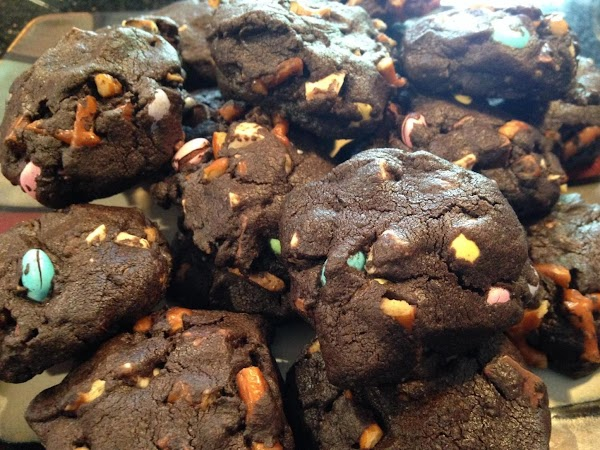 Dark Chocolate Pretzel Cookie Recipe