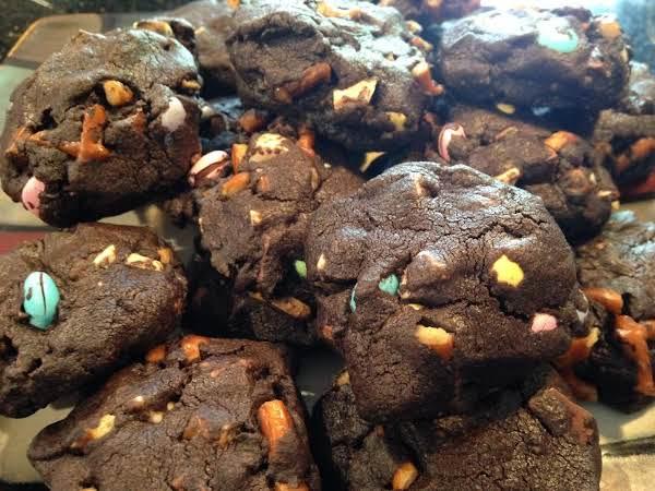 Dark Chocolate Pretzel Cookie Recipe