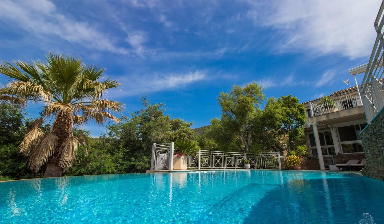 Villa avec piscine et jardin La Londe-les-Maures