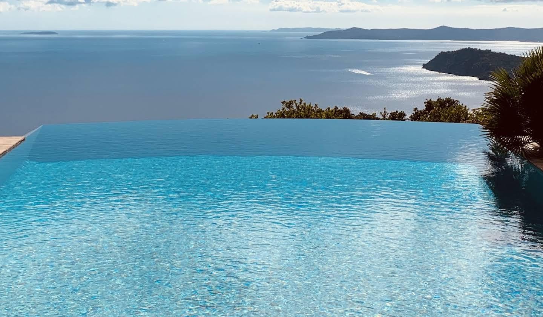 Villa avec piscine et terrasse Rayol-Canadel-sur-Mer