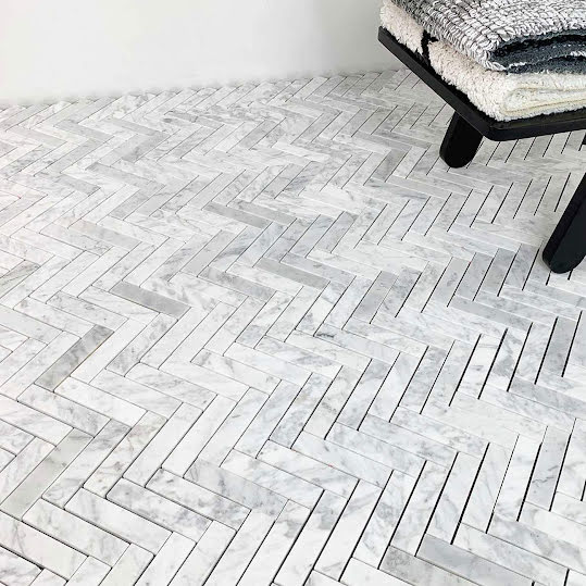 Mosaik Fishbone Carrara