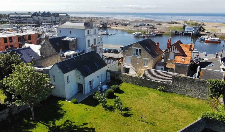 Maison en bord de mer avec jardin Grandcamp-Maisy