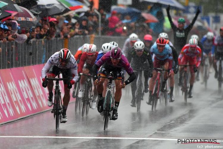 Het regent alweer pijpenstelen in de Giro: weersomstandigheden gaan mogelijk mee beslissen