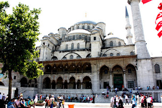 Photo: Day 108 - Yeni Mosque (New Mosque)