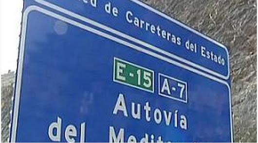 Retenciones de 10 kilómetros en la A7 por accidente múltiple: cinco heridos