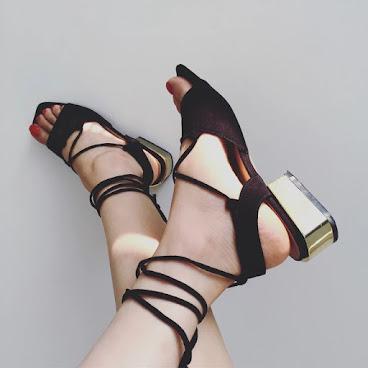 粗跟綁帶涼鞋