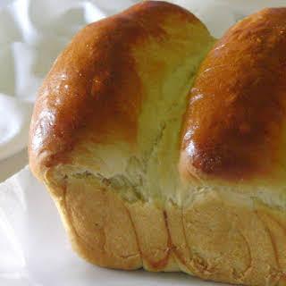 Asian Sweet Bread (Hong Kong Pai Bao, Hokkaido Milk Bread).