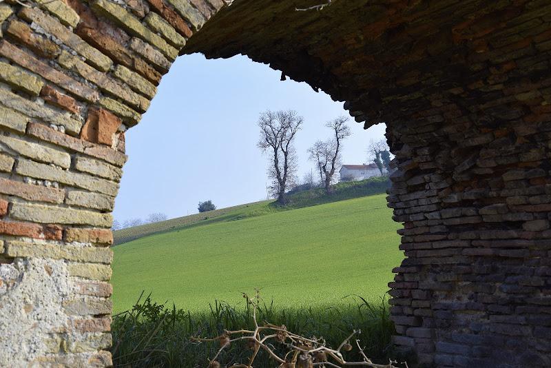 Paesaggio tra l'acquedotto medievale... di Maxbat80