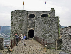 Photo: 2006-05-07. Bouillon. BurchtruÏne van Godfried van Bouillon | Castle ruin.  www.loki-travels.eu