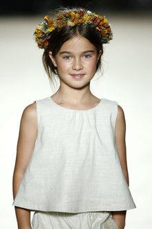 défilé mode enfant Condor look naturel fille