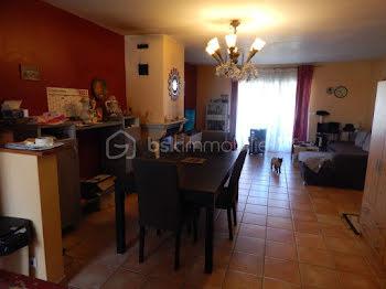 villa à Neffiès (34)
