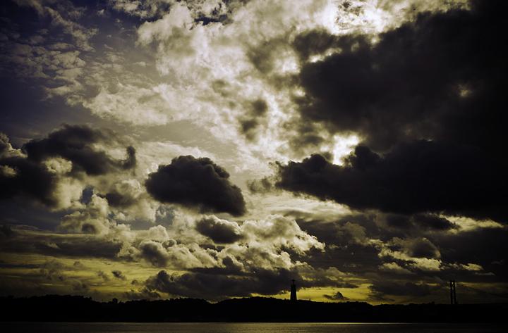 Cielo belligerante di Frisonfotografia