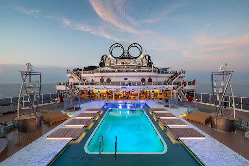 msc-seaview-Panorama-Pool.jpg -  Take a refreshing dip and catch some rays at the Panorama Pool on MSC Seaview.
