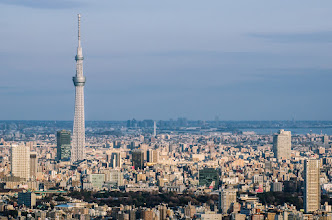 Photo: The Skytreet towers over other Tokyo buildings, as seen from the Sun Tower in Ikebukuro
