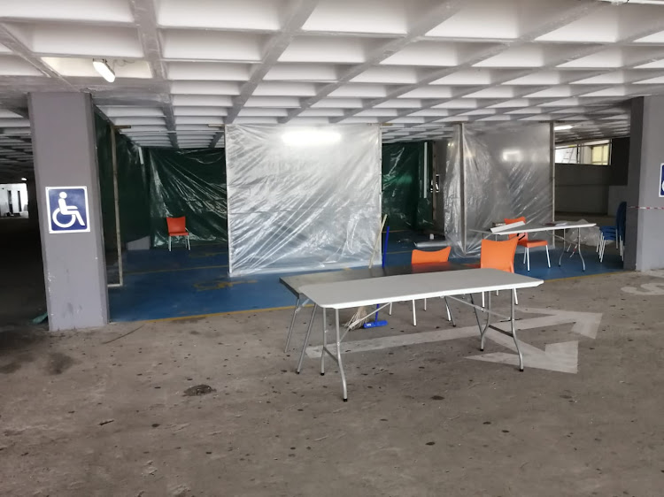 Triage facilities are being set up in a parking lot at Netcare's uMhlanga Hospital in Durban. The group denies that these are isolation wards for Covid-19 patients.