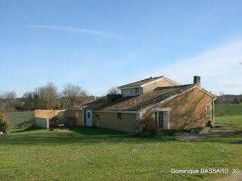 villa à Baignes-Sainte-Radegonde (16)