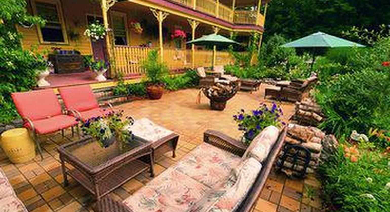 The Fairlawn Inn