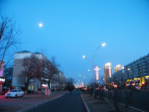 Photo: streetview in QRRS area in eastern Qiqihar near end of lunar Spring Festival.