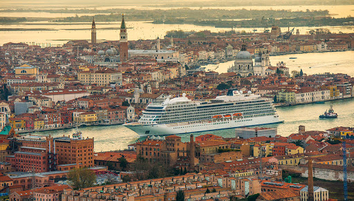 Viking-Sea-Venice.jpg - Viking's second ocean ship, Viking Sea, glides through the Venice Canal.