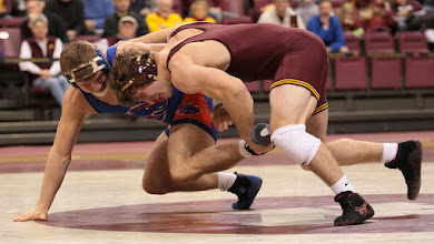 Photo: 184 – #4 Kevin Steinhaus, Minnesota, dec. #12 Jake Swartz, Boise State, 5-3. Photo by Mark Beshey.