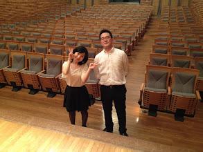 Photo: お手伝い係の岡田紗弓、袴田容(TGSメンバー)