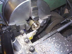 Photo: Usinage des moyeux de roues.