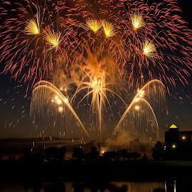 Fireworks Ablaze by Tracy Burge - Public Holidays July 4th