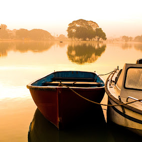 boat by Nikhilesh Shaw - Novices Only Landscapes ( ulsoor lake )