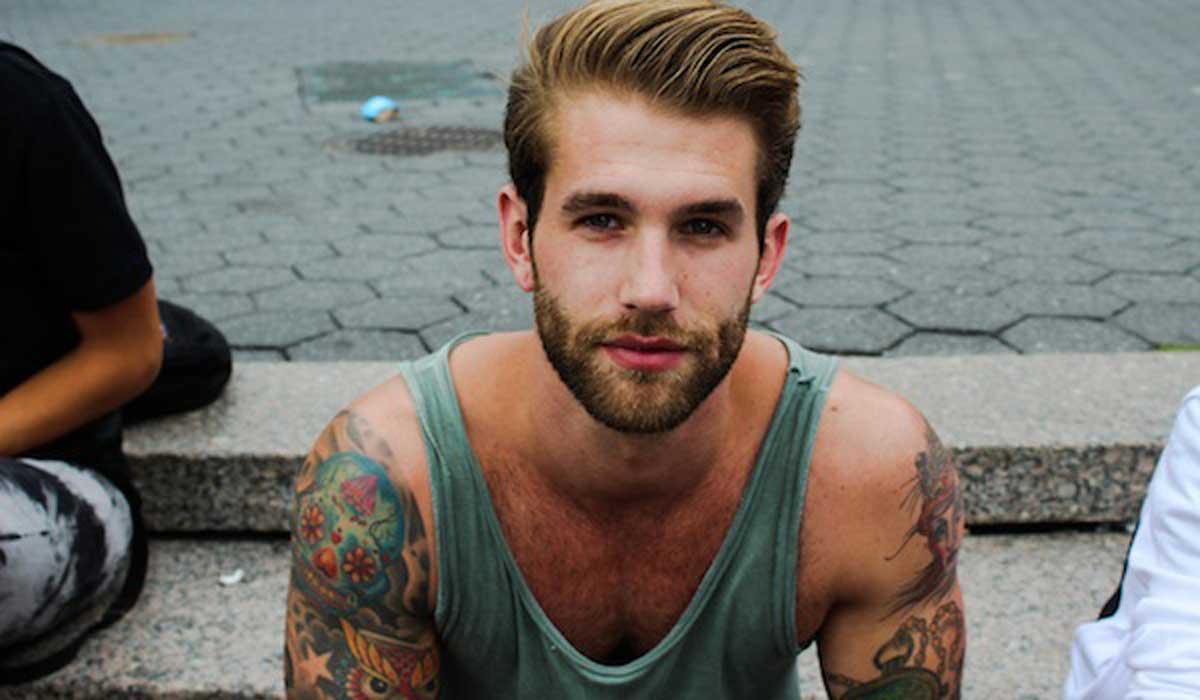 Resultado de imagen de hombres con tatuajes