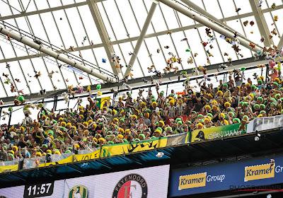 📷 Enervés, des supporters hollandais débarquent en masse à l'entraînement pour expliquer une nouvelle tactique