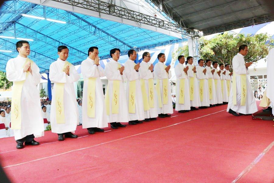 Lễ Tấn Phong chức Phó tế tại nhà thờ Chính Tòa Ban Mê Thuột - Ảnh minh hoạ 20