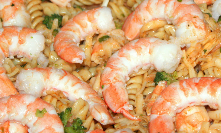 Simple Shrimp and Smoked Salmon Pasta Salad Recipe