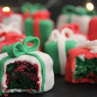 Christmas Present Cakes.