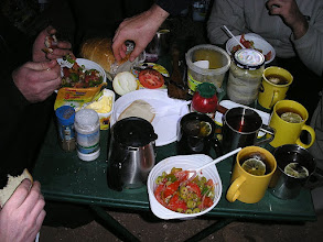 Photo: Nieopodal Tan Tan blisko granicy Maroka z Saharą Zachodnią kolacja sylwestrowa: sałatka grecka , herbata z cytryną i ukrytym prądem. Noc sylwestrowa.