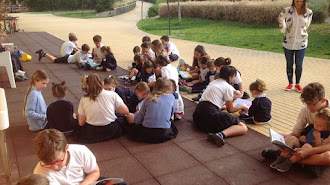 En el recreo hacen actividades para fomentar la inclusión de todos los alumnos del centro.