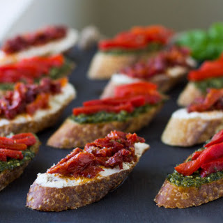 Sun-Dried Tomato and Goat Cheese Crostini