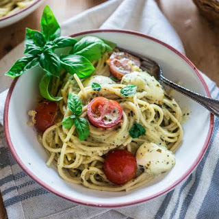 Spaghetti with Pesto Cream Sauce, Fresh Tomatoes and Mozzarella
