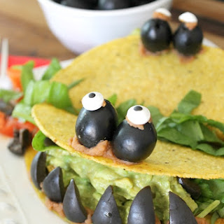 Monster Tacos with California Black Olives {recipe} #CalOliveCrafts.