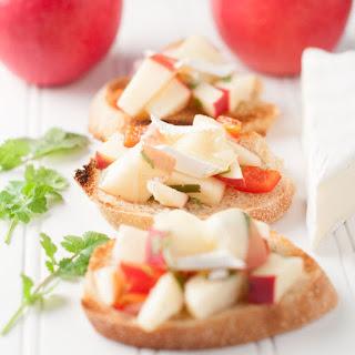 Apple Brie Crostini