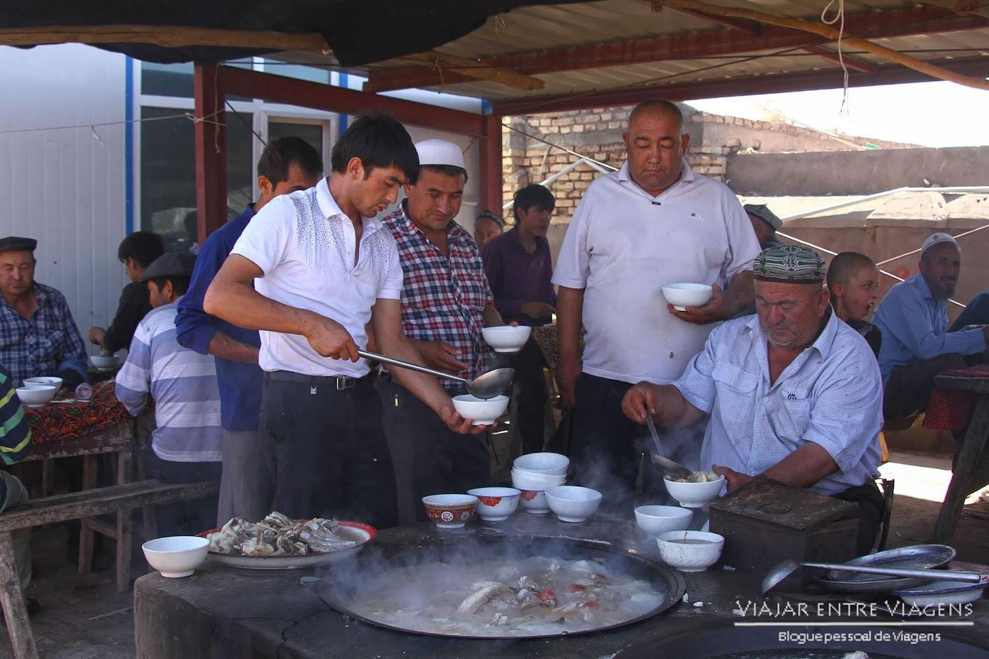 Visitar KASHGAR e conhecer incrível mercado de Gado de Xinjiang | China