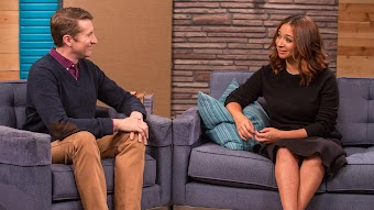 Maya Rudolph Wears a Black Skirt and Strappy Sandals