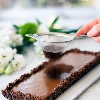 Caramel Chocolate Crackle Tart
