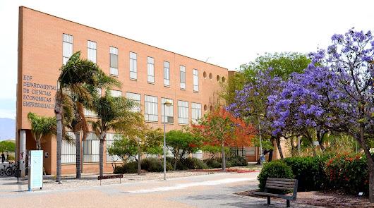 La UAL abre el curso el lunes con clases presenciales y online y test