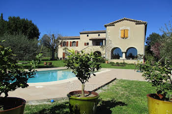 Villa 7 pièces 311 m2