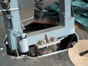 Photo: Jämerään jalustahaarukkaan mahtuisi jopa 50 cm:n newton. Laitteisto ei pahemmin tutise tuulessa.