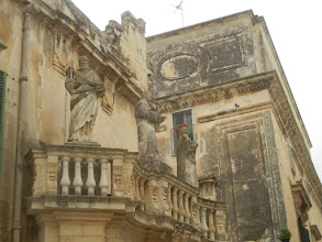 Photo: Statues of the side of the Duomo, Lecce