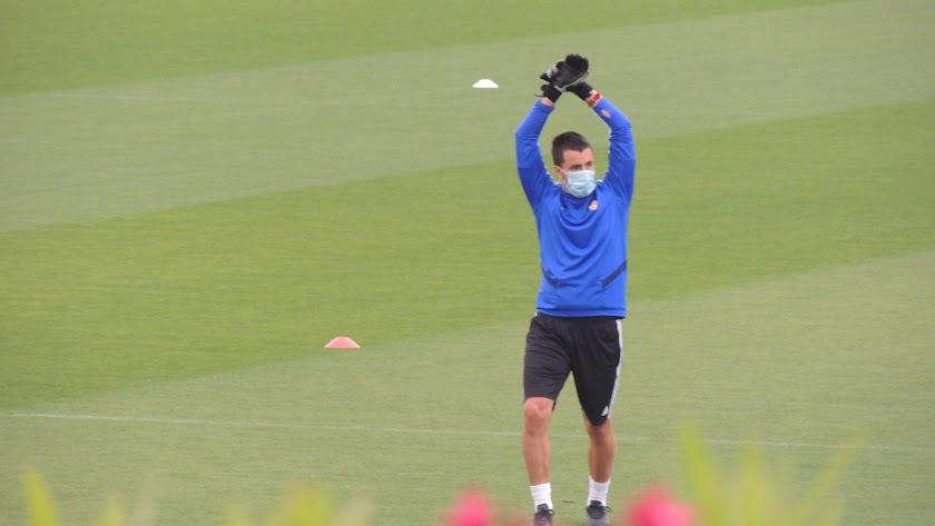 Borja Álvarez en el entrenamiento del Almería.