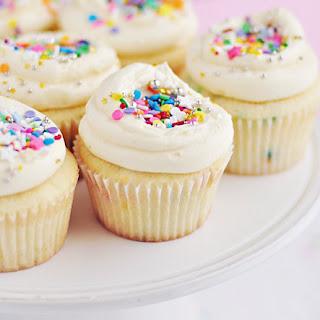 Super-Duper Vanilla {or Funfetti} Cupcakes
