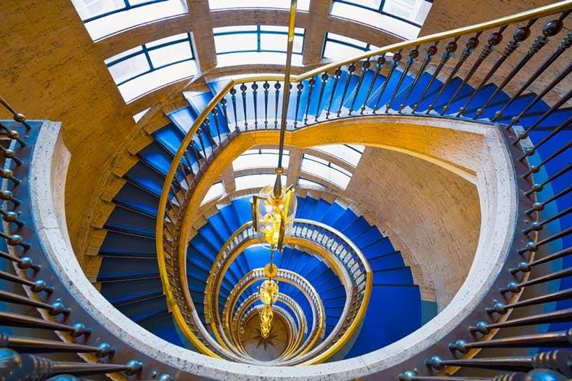 Líneas, remolinos y curvas en estas fotografía de escaleras